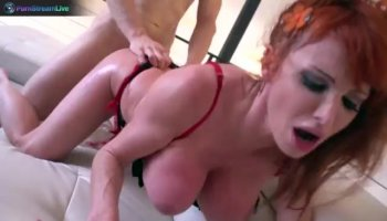 Brunette visits a thick dicked masseur for some sweet relief